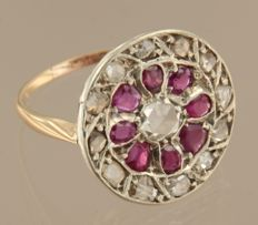 18 kt bicolour rose and white gold ring, set with Bolshevik cut ruby and with rose cut diamonds