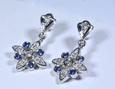 Gold (18 kt) earrings with 12 diamonds, 0.11 ct, HJ - SI, and 8 Blue Sapphires, 0.30 ct - No reserve price