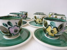 Nine coffee cups and saucers - Boch - Belgium - In the mood