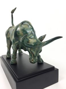 Bull Statue in Patina Green Bronze on stand - Java - Indonesia