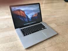 Apple MacBook Pro 15 inch - 4 GB RAM - 240 GB SSD Flash - DVD