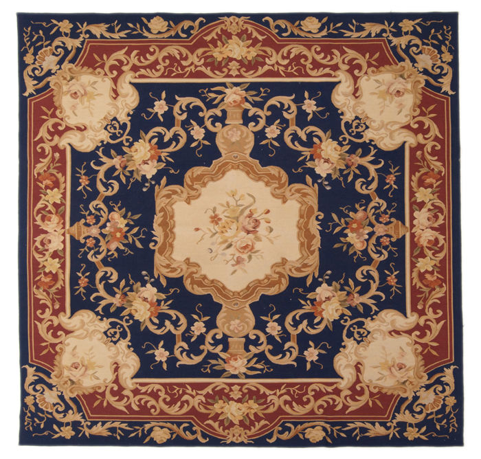Beautiful Aubusson (Obusson/Abosson) rug – Floral pattern – 100% handmade – Size: 205 x 200 cm – (Galleria Farah 1970)