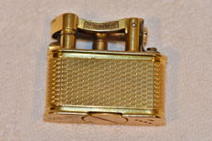 Dunhill Lighter in knurled gold