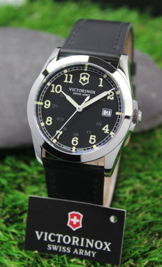 Victorinox Swiss Army - Mens Infantry - Swiss Made - Stainless Steel Watch - New & Mint Condition