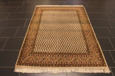Beautiful hand-knotted oriental carpet, Sarough Mir, 130 x 180 cm, made in India, end of the 20th century