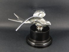 Original Vintage Chrome Bird Mascot Swift Bird Mascot Desmo Mounted on Black Plastic base