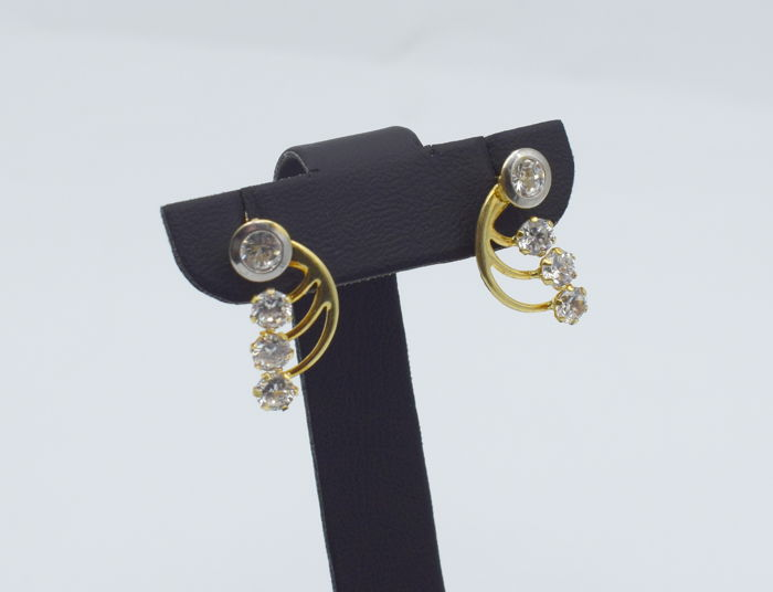 14 k yellow gold earring with zircon stones - length 19 mm