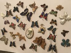 Collection of  33 vintage enamelled butterfly bugs and bird brooches