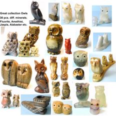 Great collection of 30 Owls makes from diff. minerals. Fluorit, Amethyst, Jaspis, Alabaster a.o beautiful stones.