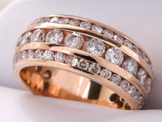 Gold, three-rowed, diamond ring - approx. 2.16 carat. No reserve price!