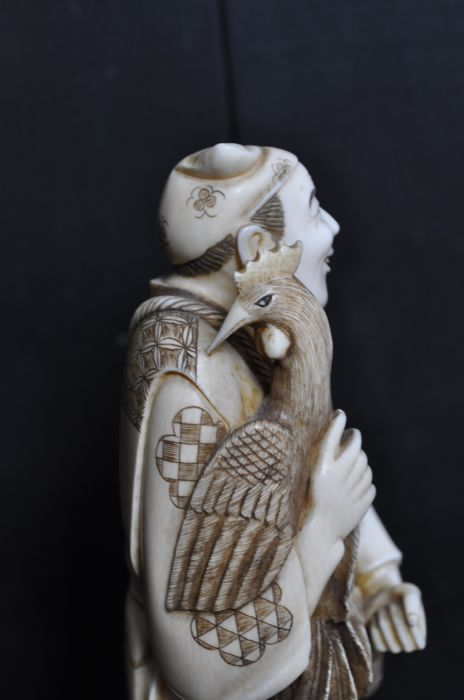 Finely carved ivory statue - Japan - circa 1910.
