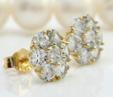 14 kt gold earrings with white sapphires, 3.50 ct