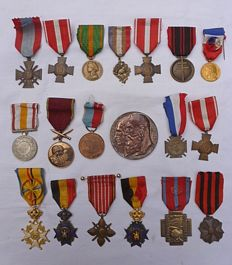 Lot of 19 medals from 1909 until 1988