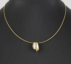 18 kt yellow gold – Choker and pendant with cubic zirconias – Lobster clasp – Length: 41 cm