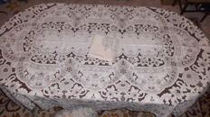 Banquet tablecloth (2,55 m x 1,65 m) with a complete hand made embroidery from Madeira Island in Portugal - Decades of 1950/60