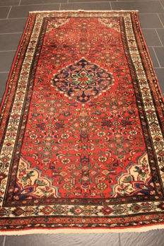 Persian carpet, Malayer, 130 x 220 cm, made in Iran, old rug, collector's item