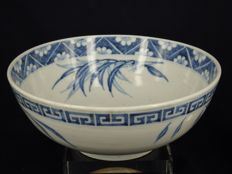 Ex large blue and white hand painted bowl - China - late 19th century