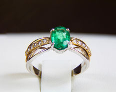 14 kt Gold ring with emerald and diamonds ct 0.16. Size 17.3 mm ***No reserve***