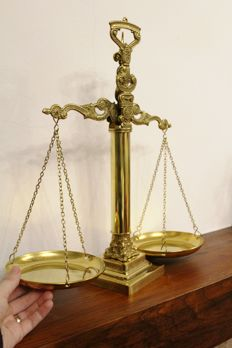 Decorative Footed Balance Scale Brass