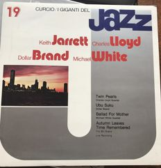 A great collection of 70 LPs of jazz music