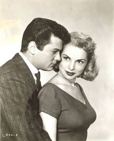 Unknown - Tony Curtis and Janet Leigh - 1954