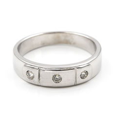 18 kt (750/1000) white gold - brilliant cut diamonds totalling 0.10 ct - Ring size 15 (Spain).