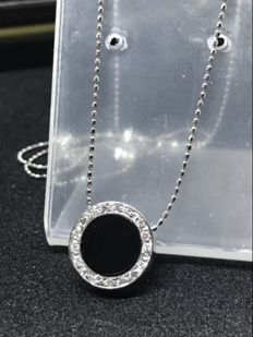 18 kt gold necklace with 0.16 ct diamonds and onyx - Length: 42 cm