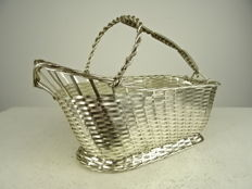 Silver plated wine basket with handle, Christofle, Paris, second half 20th century