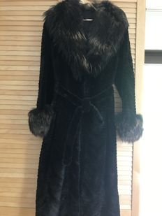 Ladies' fur coat