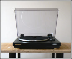 Very nice and good Marantz TT-42 turntable with Dual cartridge.