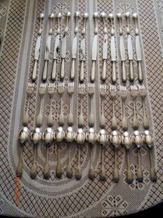 Christofle - heavy silverware set, 174 pieces, in very, very good condition - scallop shell pattern - total 13 kg(!)