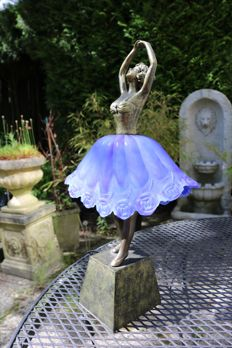 Side-table lamp featuring a ballerina