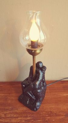The kiss lamp