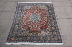 Beautiful & Original Persian Iran Qom/Ghom hand knotted 170x104 cm with certificate