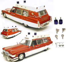 Record / HHS - Scale 1/43 - Cadillac Superior Ambulance and Chevrolet Styline Coupe