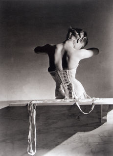 "Horst P. Horst (1906 – 1999): ""Mainbocher Corset"", Paris, 1939"""