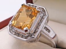 Gold cocktail ring with diamonds and citrine – 3.62 carat in total