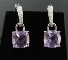 White gold 18 kt dangle earrings set with an amethyst and 54 brilliant cut diamonds of approx. 0.40 carat in total ****NO RESERVE PRICE*****