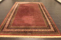 Beautiful hand-knotted oriental carpet, Sarough Mir, 200 x 290 cm, made in India, end of the 20th century