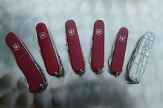 Set of 6 Swiss knives victorinox new condition