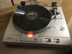 Akai APD40 record player