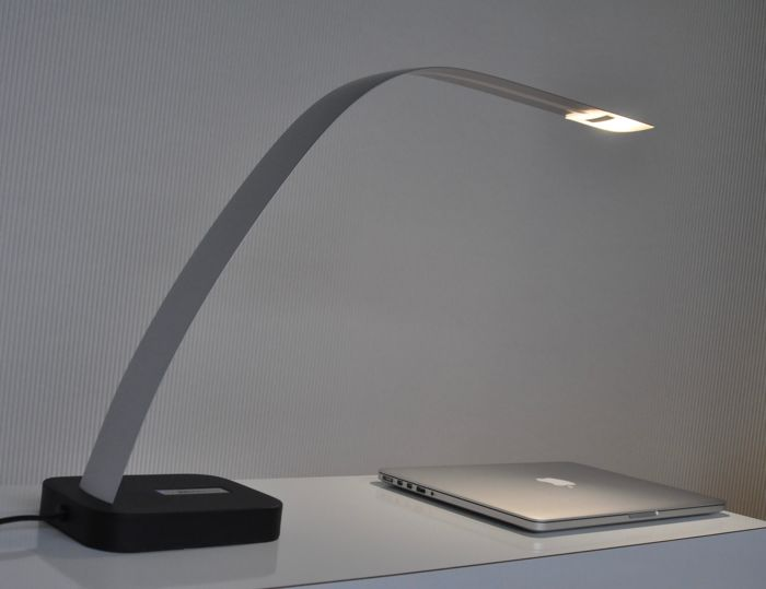lita design minimalistic aluminium led desk lamp catawiki. Black Bedroom Furniture Sets. Home Design Ideas