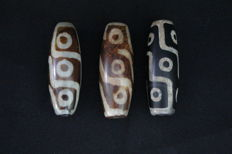 3 Dzi Agate 9 eye beads - Tibet - late 20e century