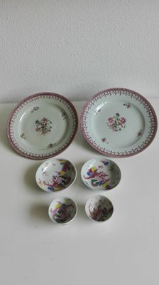 Porcelain tea cups, saucers and plates - China - 18th century