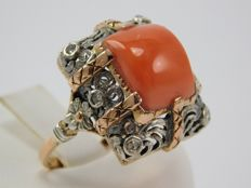 Fabulous gold ring with silver, diamonds and Mediterranean coral