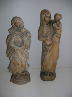 Two wooden images of Maria
