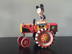 Disney, Walt - Wind-up toy car Louis Marx - Mickey Mouse Dipsy Car (ca. 1950)