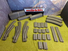Märklin H0 - 24672/71/188/172/130/207/107/077/951 - 46-piece collection of C-tracks with curved switches