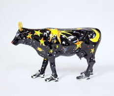 Moo Beam, the Cow That Jumped Over the Moon - Jan Raymond