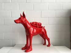 William Sweetlove - Doberman with petbottle (cloned red)